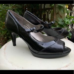 BANDOLINO Mandeep Black Peep Toe Pumps Heels 10